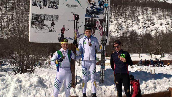 Jaqueline Mourão se sagra campeã brasileira de Sprint e se inicia a Copa Sul-Americana e Campeonato Brasileiro de Snowboard Cross