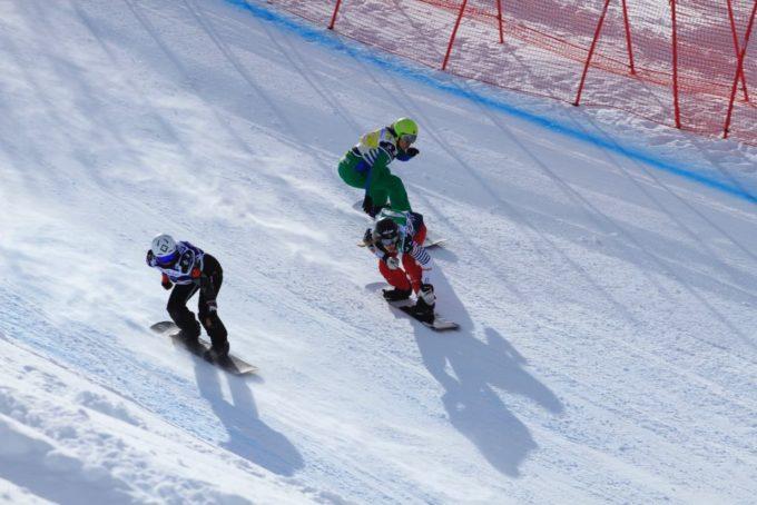 No Top 15 Isabel Clark avança às finais da Copa do Mundo de Snowboard Cross em Val Thorens